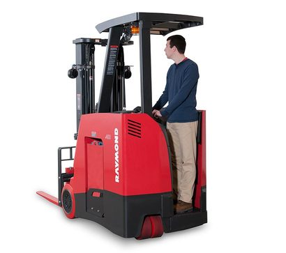 Sit Down vs stand up Forklift